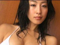 Glamorous Asian kitty Hiroko Sato exposes her curvy body in bikini