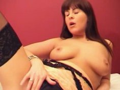 Brunette Kristy hole masturbation in bed