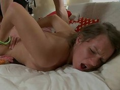 Fetching chick is driving hunk mad with her butt