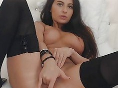 Naughty Babe Fingering Her Pussy On Cam