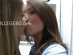 Two hot lezzs licking pussies